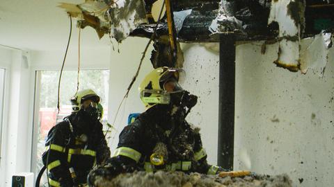 Helden van Hier: Door het Vuur afl.1 S. 3 Afl. 1